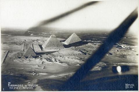 La piana di Giza con le Piramidi (e nessuna urbanizzazione selvaggia!) in una foto di Kofler del 1914