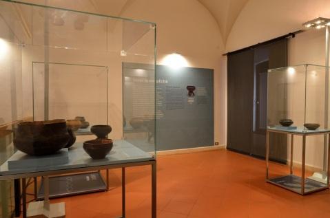 """La """"nuova"""" ceramica neolitica dall'isola di Lesina (Hvar) in Croazia"""