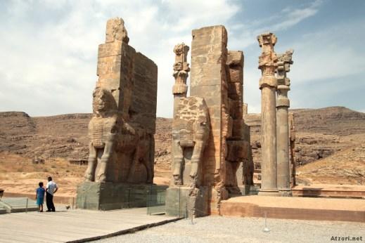 La monumentale Porta delle Nazioni realizzata da Serse sulla terrazza di Persepoli