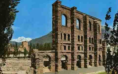 """Il teatro romano di Aosta, la """"Roma delle Alpi"""""""