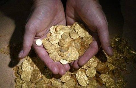 Sui fondali del porto di Cesarea (Israele) sono state trovate duemila monete d'oro