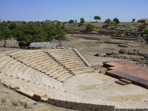 Il teatro greco di Morgantina, importante sito archeologico in Sicilia