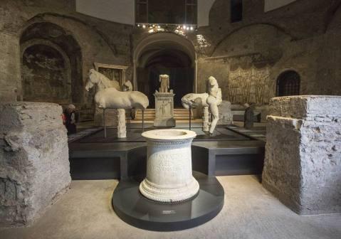 Il mito dei Dioscuri rivive nella mostra sulla fonte Giuturna al tempio di Romolo