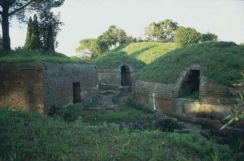 Tumuli etruschi nella necropoli della Banditaccia a Cerveteri
