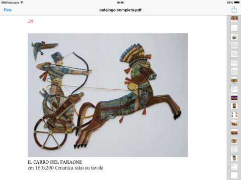 Il faraone sul carro da guerra in ceramica raku esposto nella mostra di Oderzo