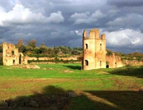 La villa di Massenzio lungo la via Appia antica a Rona: ogni anno 100mila visitatori