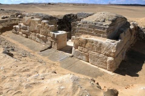 La tomba di Khentkaus III, regina finora sconosciuta della V Dinastia, scoperta ad Abusir vicino a Saqqara