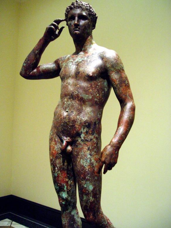 L'Atleta Vittorioso, bronzo del IV secolo a.C., recuperato al largo di Fano e attribuito a Lisippo