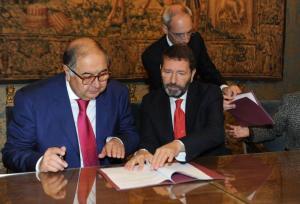 La firma dell'accordo tra Alisher Usmanov e Ignazio Marino al Campidoglio