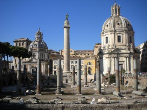 L'area archeologica del foro di Traiano, a Roma, dominata dalla Colonna traiana
