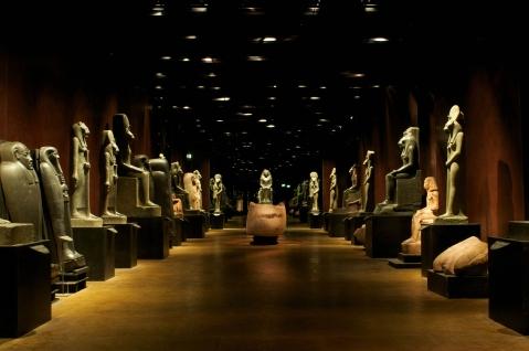 """La magica atmosfera dello statuario del museo Egizio di Torino protagonista di """"Stanotte al museo Egizio"""" su Rai1"""