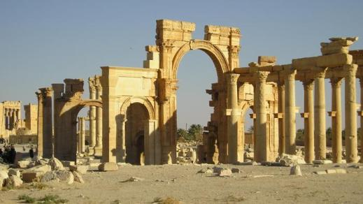 Il colonnato di Palmira, punto di sosta per le carovane di viaggiatori e mercanti che attraversavano il deserto siriano