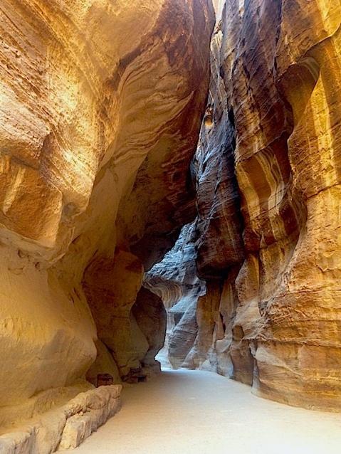 Il siq di Petra è stato studiato dall'università di Firenze dove è stato ideato l'algoritmo che prevede lo stacco dei blocchi di roccia