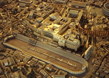 Il plastico del Circo Massimo a Roma: si vede l'arco di Tito nell'emiciclo