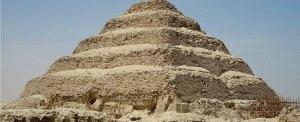 La piramide a gradoni di Zoser-Djoser a Saqqara