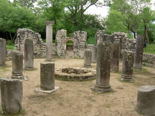 Il battistero paleocristiano di Butrinto, uno dei più grandi dell'epoca: risale al VI secolo