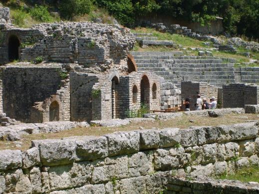 L'area a ridosso del teatro sarà oggetto degli scavi degli archeologi italiani