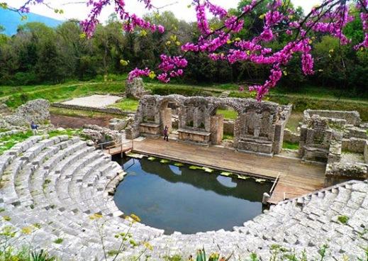 Il teatro romano di Butrinto, antica città dell'Epiro, oggi in Albania davanti a Corfù