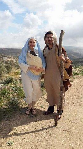 I due attori che interpretano Maria e Giuseppe nel film di Castellani