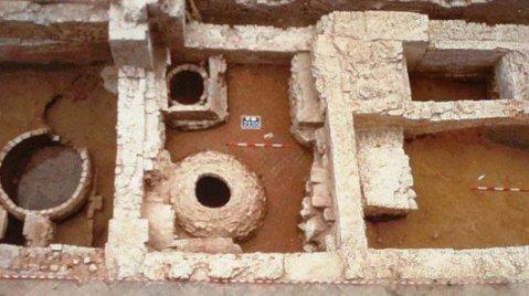 Il villaggio preistorico di Case Bastione fu frequentato tra il IV e il II millennio a.C.