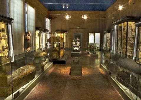 La sala VIII del museo Egizio di Firenze riallestita in occasione dell'XI congresso di Egittologia