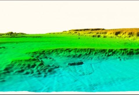 Il posizionamento del monolito rispetto all'isola, oggi sommersa, abitata 9500 anni fa