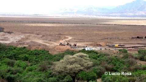 Disboscamento selvaggio della Valle dell'Omo in Etiopia per far posto a coltivazioni intensive che alterano l'eco-equilibrio dell'area (foto Lucio Rosa)