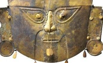Le maschere funerarie sono tra i pezzi forti della mostra di Firenze