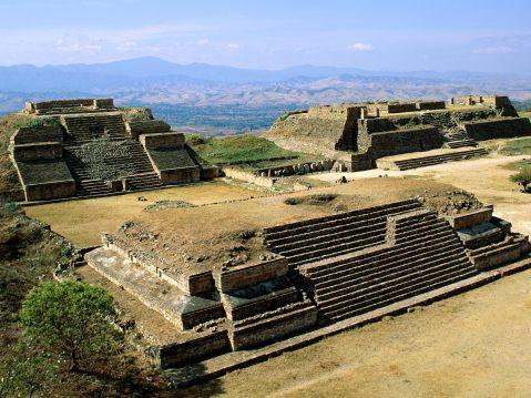 Le piramidi di Monte Alban, capitale religiosa del popolo Zapateco