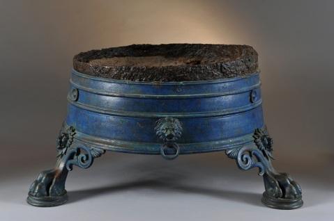 """Un braciere proveniente da Pompei esposto alla mostra """"Nutrire l'impero"""""""