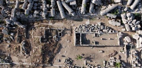 Veduta zenitale del Tempio R di Selinunte: qui nel 2012 trovati i frammenti di aulos