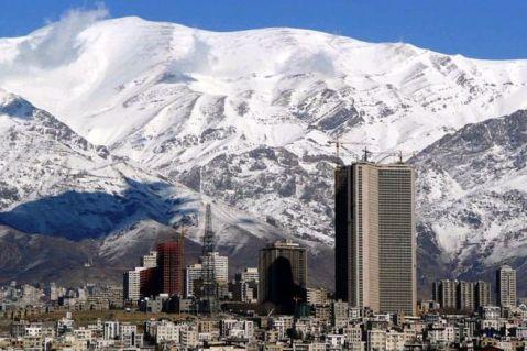 Teheran, moderna capitale dell'Iran, accoglie il gruppo dall'Italia