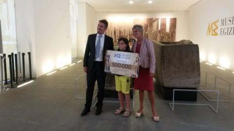 Il giovanissimo Massimo Morato tra il direttore Greco e la presidente Christillin