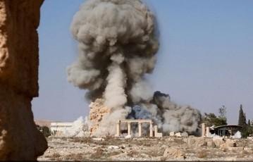 La distruzione del tempio di Baal a Palmira da parte dei miliziani dell'Isis