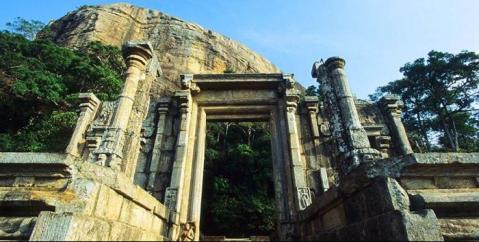Il sito archeologico di Yapahuwa, capitale dello Sri Lanka nel XIII secolo