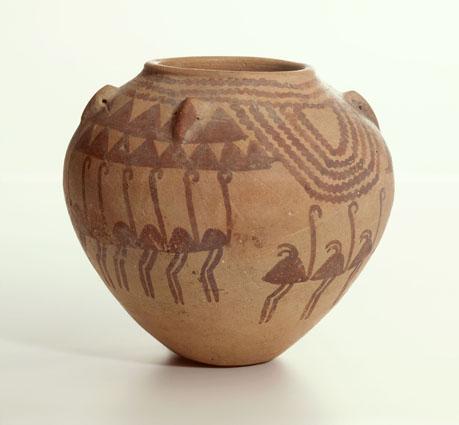 Vaso decorato con struzzi, colline e acque del Periodo Naqada (da Leiden)