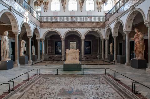 Il cortile centrale interno del museo del Bardo di Tunisi (foto di Gianluca Baronchelli)