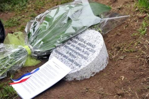 Il cippo in memoria e onore di Khaled Asaad al Giardino dei Giusti del Monte Stella di Milano