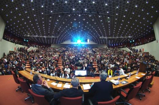 L'auditorium del centro congressi di Firenze stracolmo per Tourisma 2016 (foto Valerio Ricciardi)