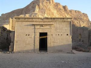 L'ingresso della tomba di Pashedu, l'artista al servizio dei faraoni