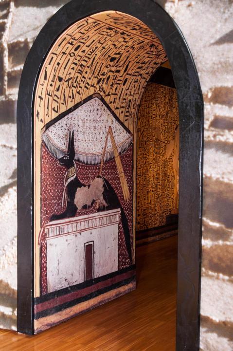 Un dettaglio della tomba di Pashedu ricostruita a Palazzo Zuckermann a Padova