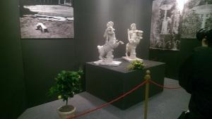 Le statue di centauro e centaura esposte in mostra a Torre Annunziata