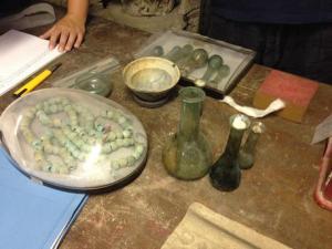 Balsamari e oggetti preziosi ritrovati nella Villa B di Oplontis