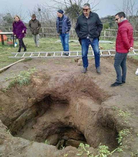 Lo scavo d'emergenza della Tomba dello Scarabeo d'oro nella necropoli etrusca Mengarelli di Vulci