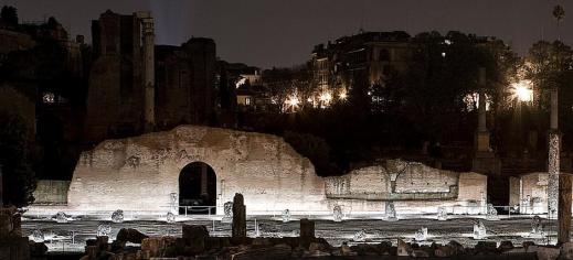 Le visite guidate in notturna al Foro Romano dalle 20 alle 24 del venerdì durano 75 minuti