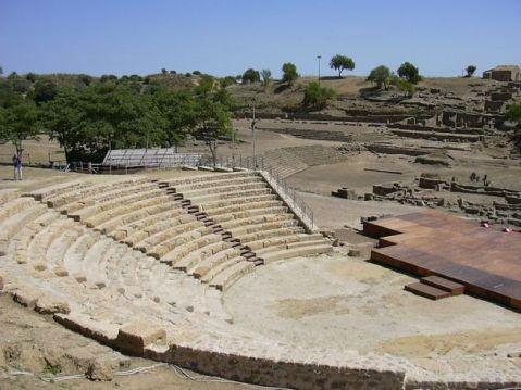 Il teatro greco nel sito archeologico di Morgantina (Aidone, Enna)