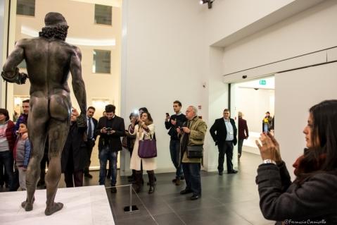 La sala che espone i Bronzi di Riace, star del museo e simbolo della Calabria