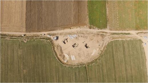 Tol-e Ajori: veduta aerea dell'area di scavo con le trincee aperte nella campagna 2015