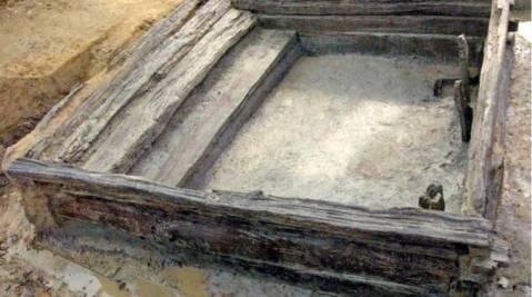 La capanna in legno di quercia, granaio di 2200 anni fa, scoperto a Capannori di Lucca
