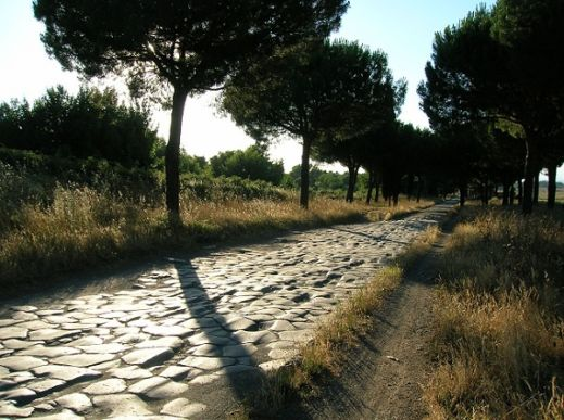 L'antico tracciato della via Appia, che collegava Roma con Brindisi